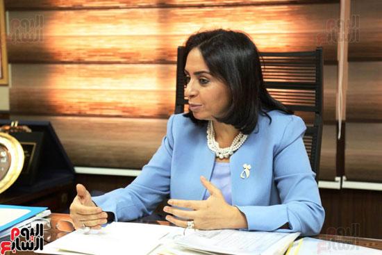 الدكتورة مايا مرسى رئيسة المجلس القومى للمرأة (2)