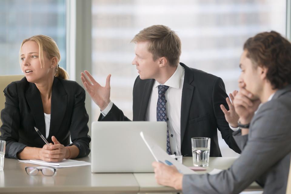 نصائح للتعامل مع المدير المغرور  (2)