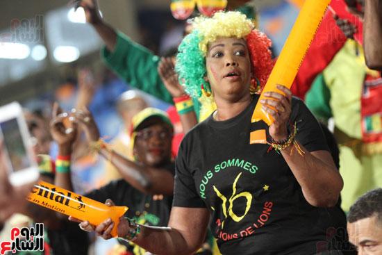 تقاليع الجماهير الأفريقية فى مدرجات أمم افريقيا 2019 (4)