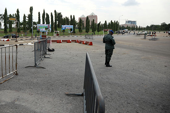 Security personnel near the Nigerian parliament