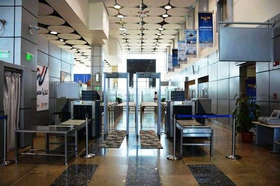 المطار من الداخل (4)