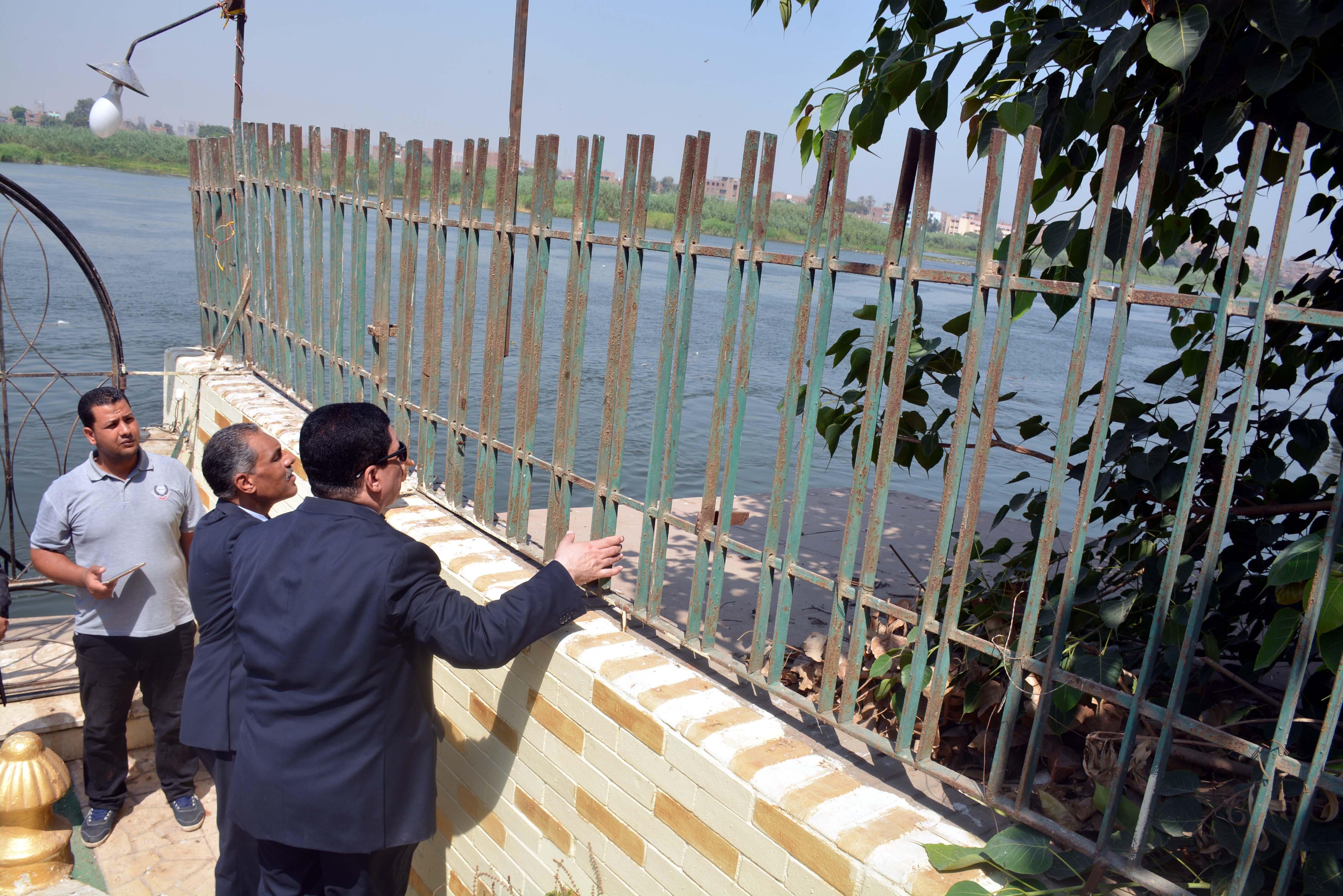 محافظ القليوبية يتفقد أعمال ترميم قصر محمد على بشبرا الخيمة (1)