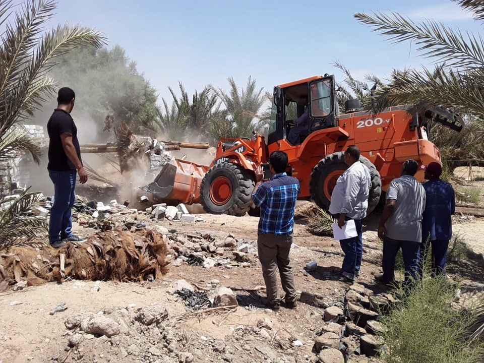 إزالة 8 حالات تعدي علي أكثر من 22 فدان بمدينة البياضية بالأقصر (4)