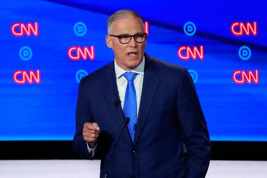 يتحدث-حاكم-واشنطن-المرشح-جاي-إنسلي-في-الليلة-الثانية-من-النقاش-الرئاسي-الديمقراطي-الأمريكي-لعام-2020-في-ديترويت