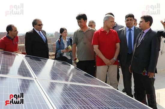 افتتاح-أول-مدرسة-تعمل-بالطاقة-الشمسية-(17)