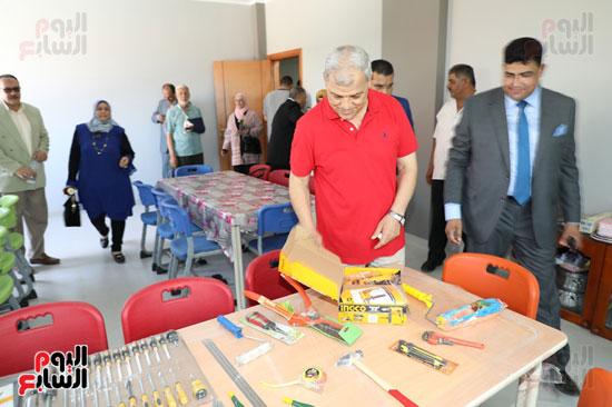 افتتاح-أول-مدرسة-تعمل-بالطاقة-الشمسية-(21)