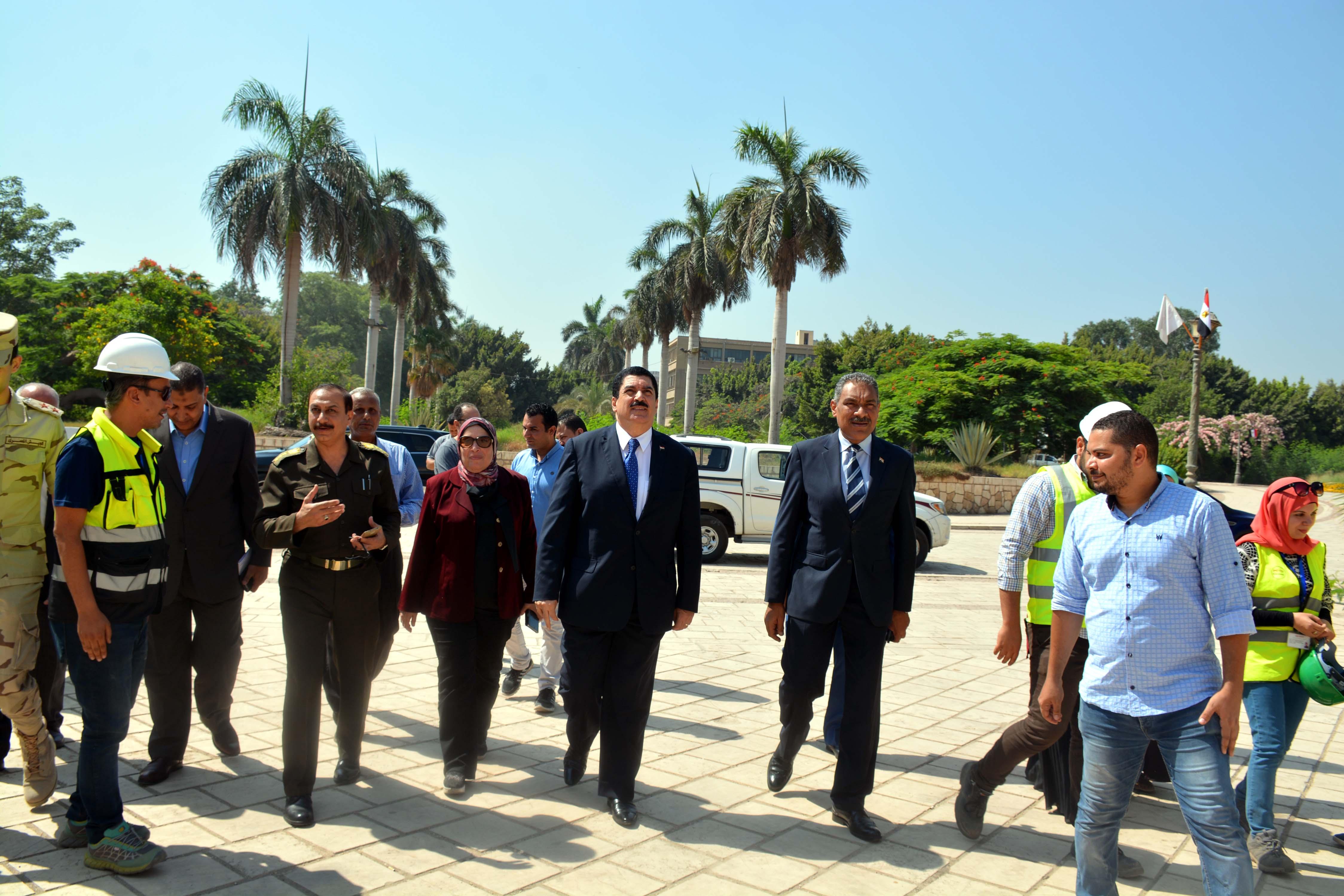 محافظ القليوبية يتفقد أعمال ترميم قصر محمد على بشبرا الخيمة (3)