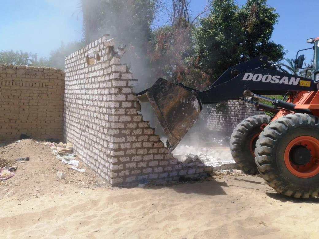 عقوبات على البناء المخالف (1)