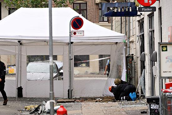 رجال الشرطة يؤدون عملهم بعد الحادث