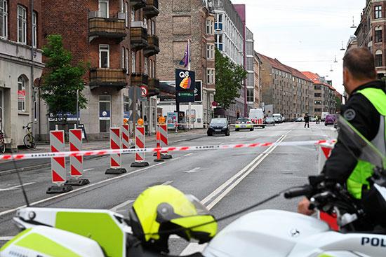 الشرطة تغلق الشارع