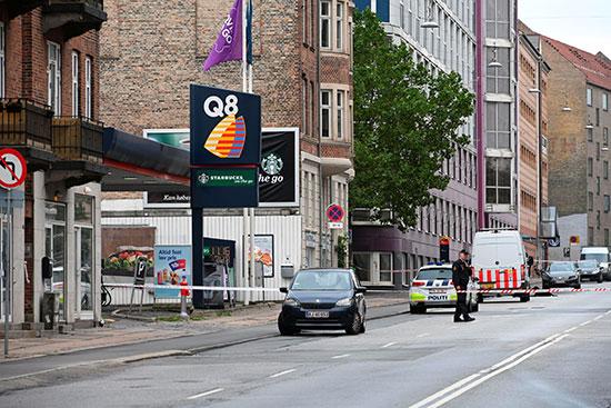 الشرطة تخلى الشارع من المارة