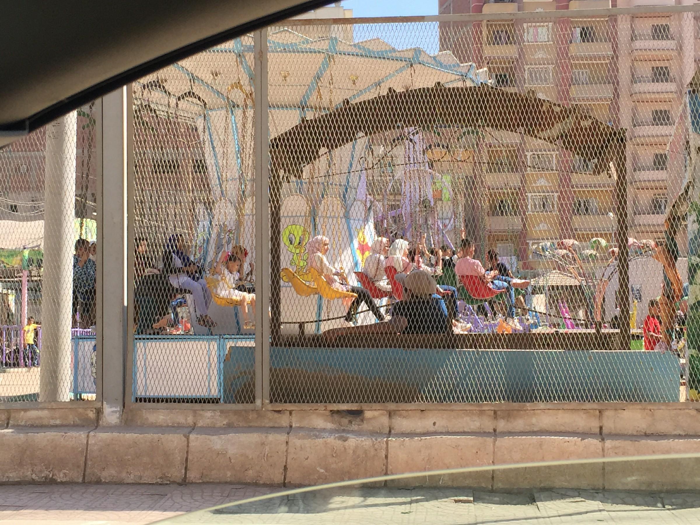 إقبال كبير على الحدائق والمتنزهات فى أول أيام عيد الأضحى بالغربية (10)
