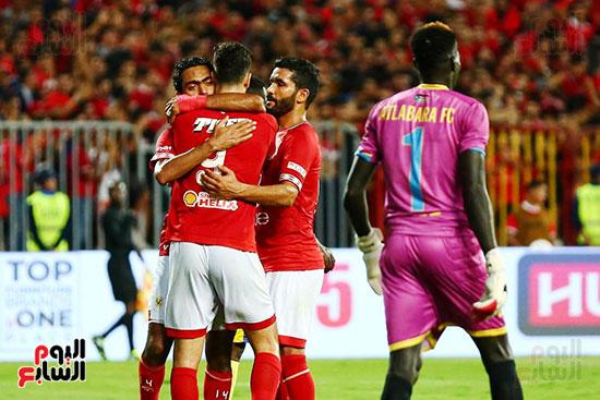 مباراة الاهلى وفريق اطلع برا السودانى (55)