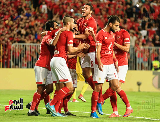 مباراة الاهلى وفريق اطلع برا السودانى (1)