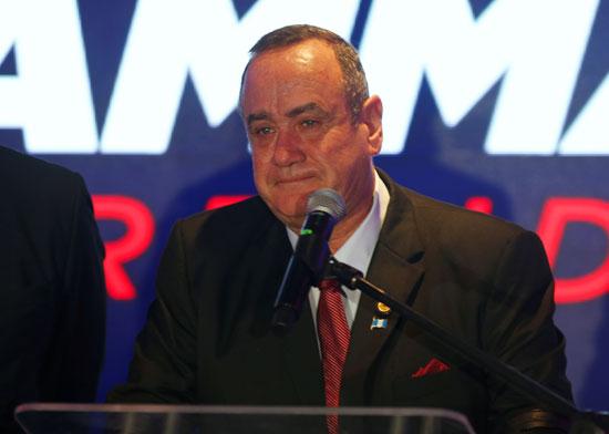 أليخاندرو جياماتى يعلن  فوزه برئاسة جواتيمالا