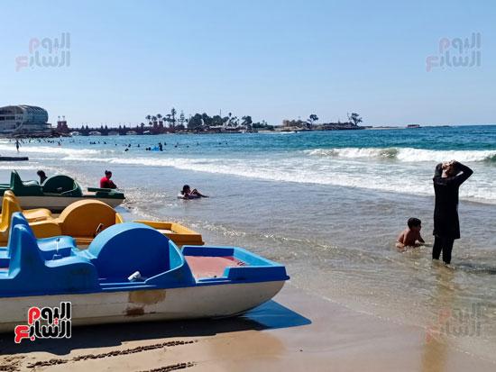 المراكب على الشاطئ