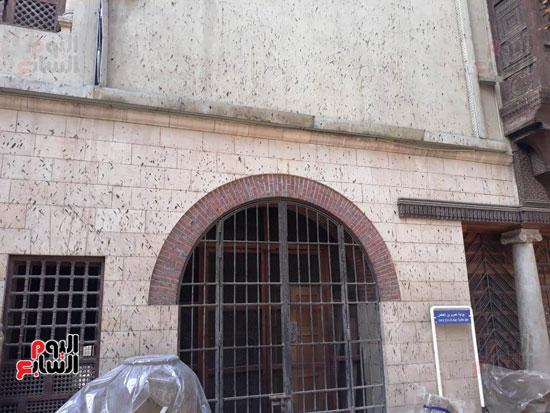 مخلفات-الوطاويط-على-المتحف-القبطى-(2)