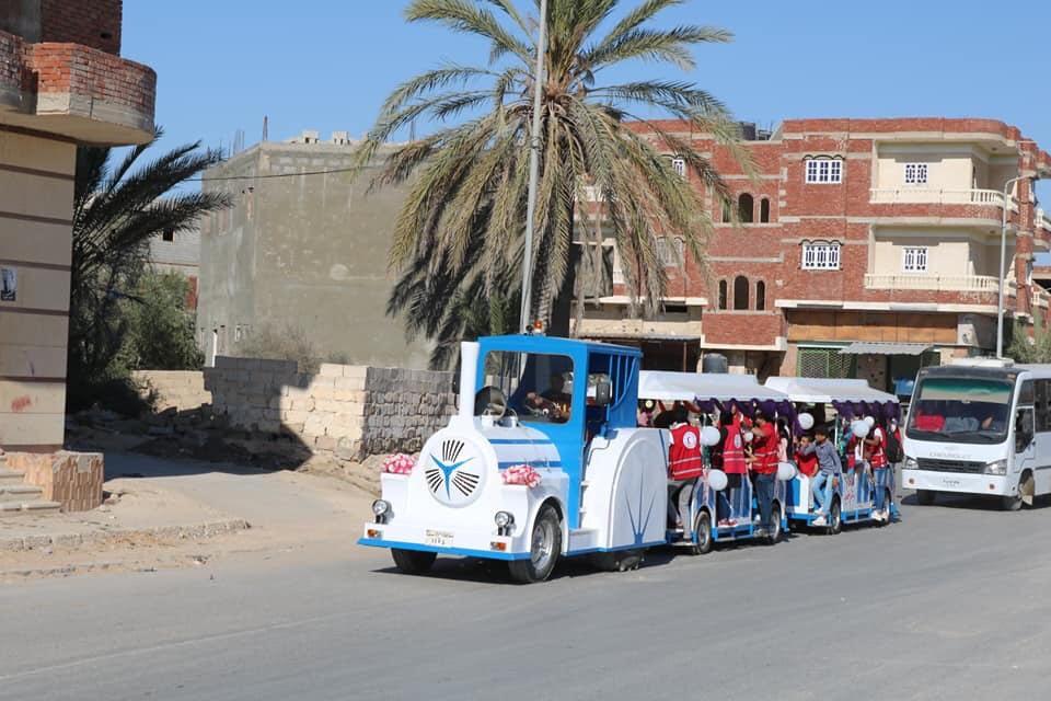 محافظ شمال سيناء يتجول مع ذوى القدرات الخاصة بـالطفطف (7)