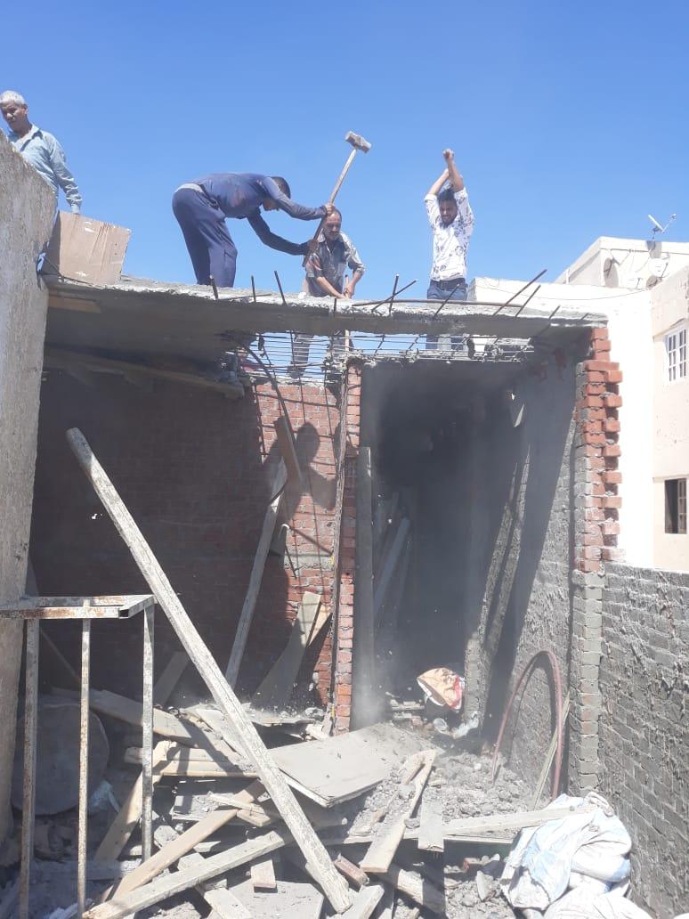 التحفظ على مواد بناء  (2)