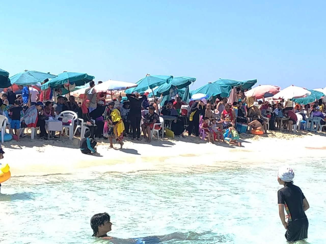 العيد شكل تاني  على شواطئ مطروح والساحل الشمالي (5)