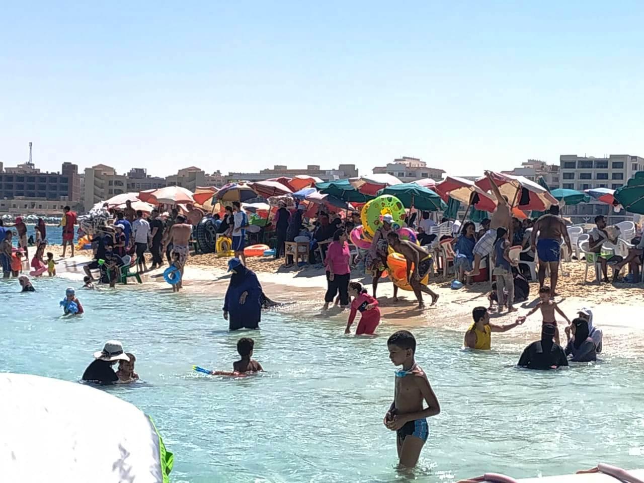 العيد شكل تاني  على شواطئ مطروح والساحل الشمالي (4)