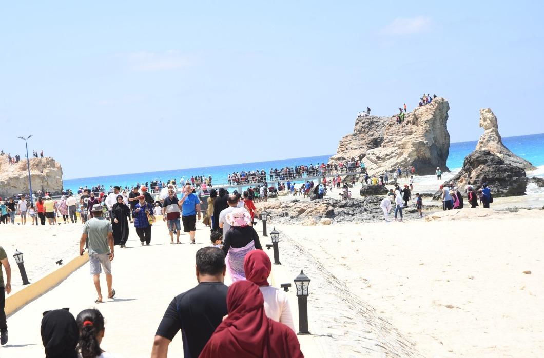 العيد شكل تاني  على شواطئ مطروح والساحل الشمالي (3)