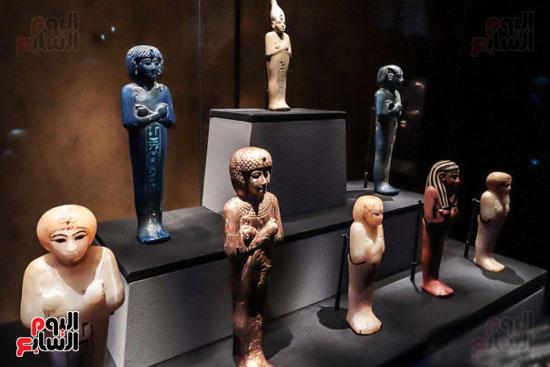 تماثيل-من-مقتنيات-المعرض