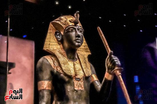تمثال-توت-عنخ-آمون