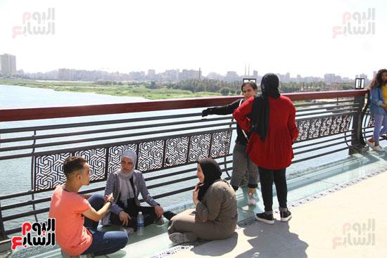 البهجة علي وجوه المواطنين في محور روض الفرج