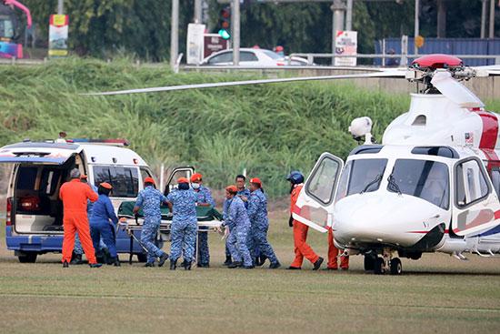 نقل جثة الفتاة إلى المستشفى