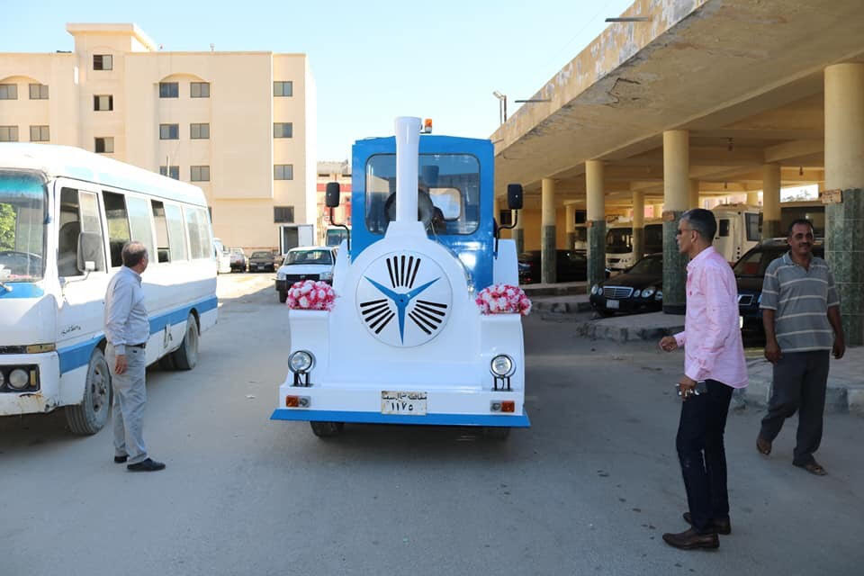 محافظ شمال سيناء يتجول مع ذوى القدرات الخاصة بـالطفطف (9)