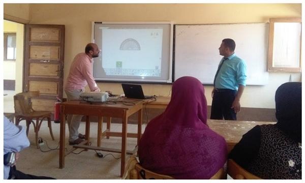 تدريب المعلمين على استخدام السبورة الذكية