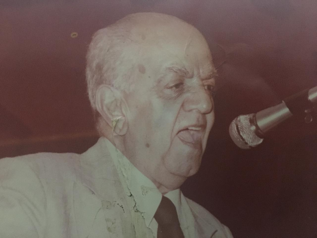 محمد عبد المطلب (9)