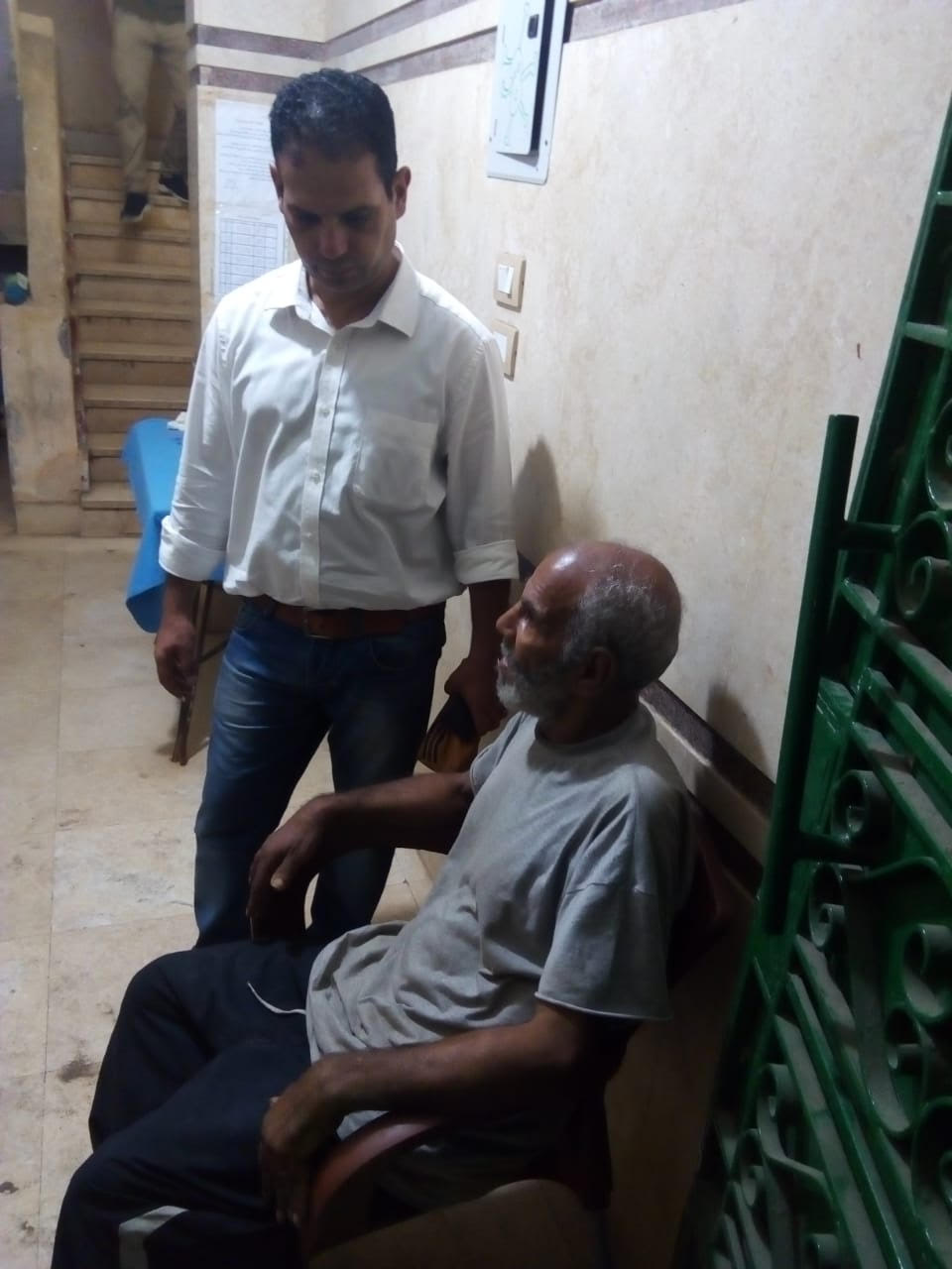 التدخل السريع ينقذ مسناً بلا مأوى   (3)