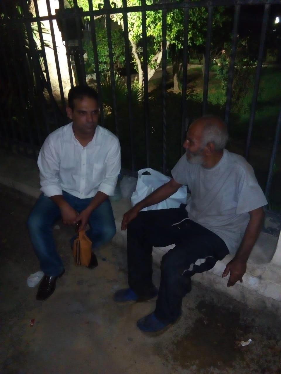 التدخل السريع ينقذ مسناً بلا مأوى   (4)