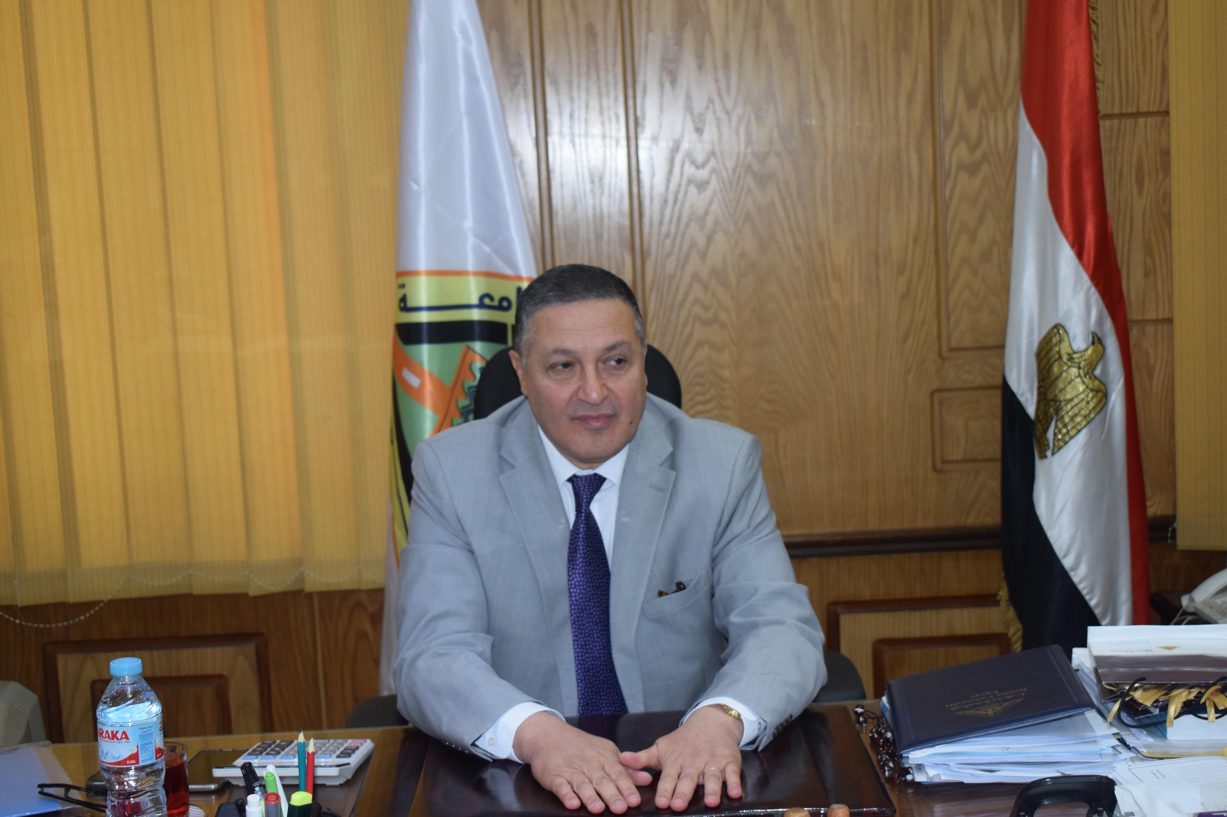 رئيس جامعة بنها (6)