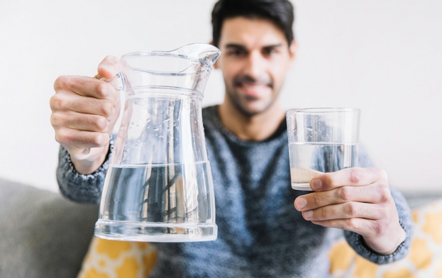 Benefits-of-Drinking-Water-on-Empty-Stomach