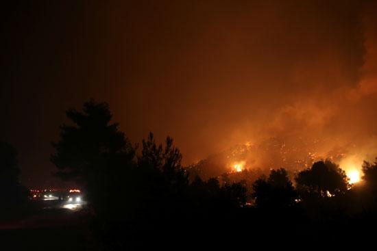 حرائق هائلة بغابات جزيرة إيفيا فى اليونان (8)