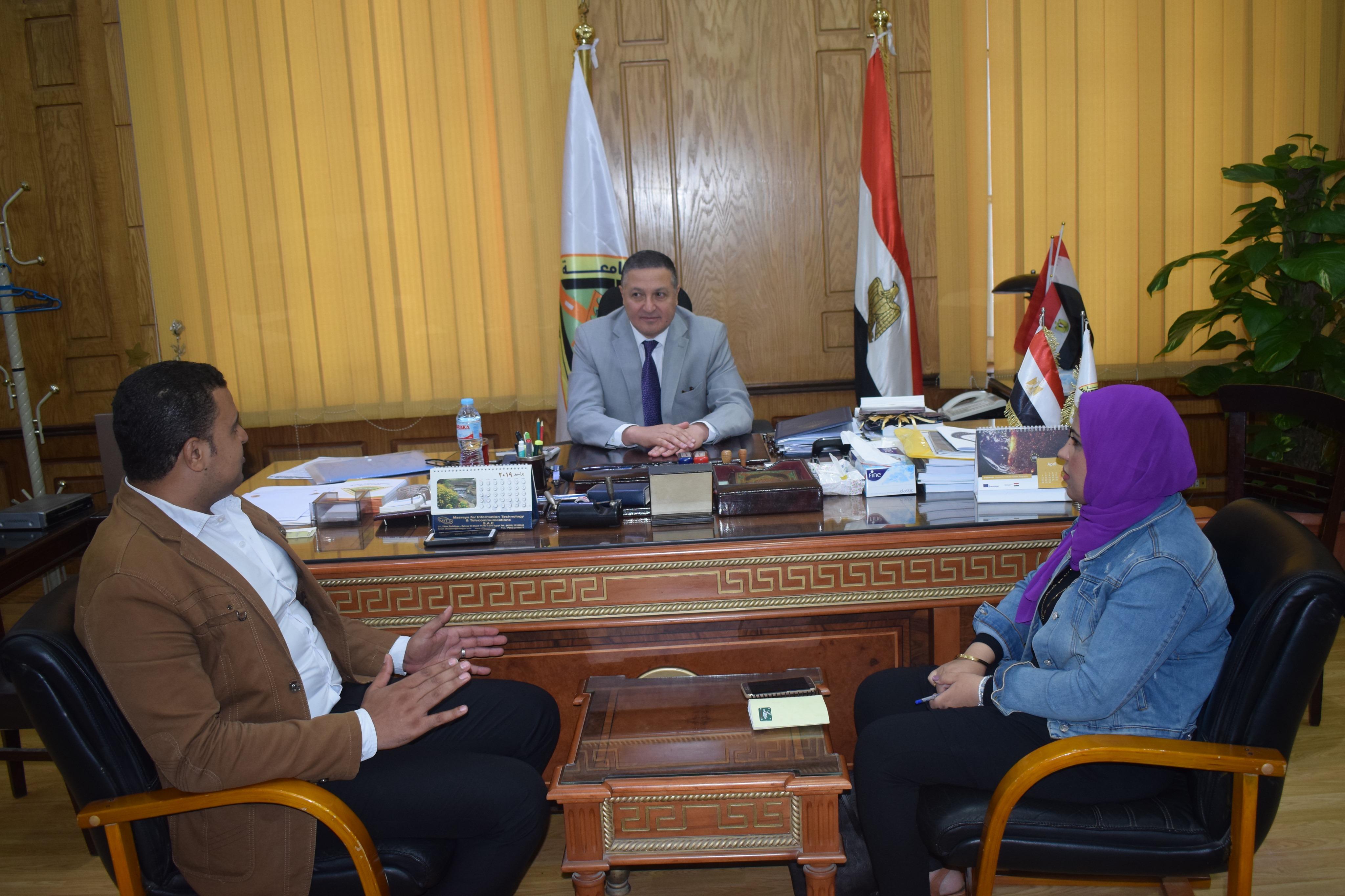 رئيس جامعة بنها (10)