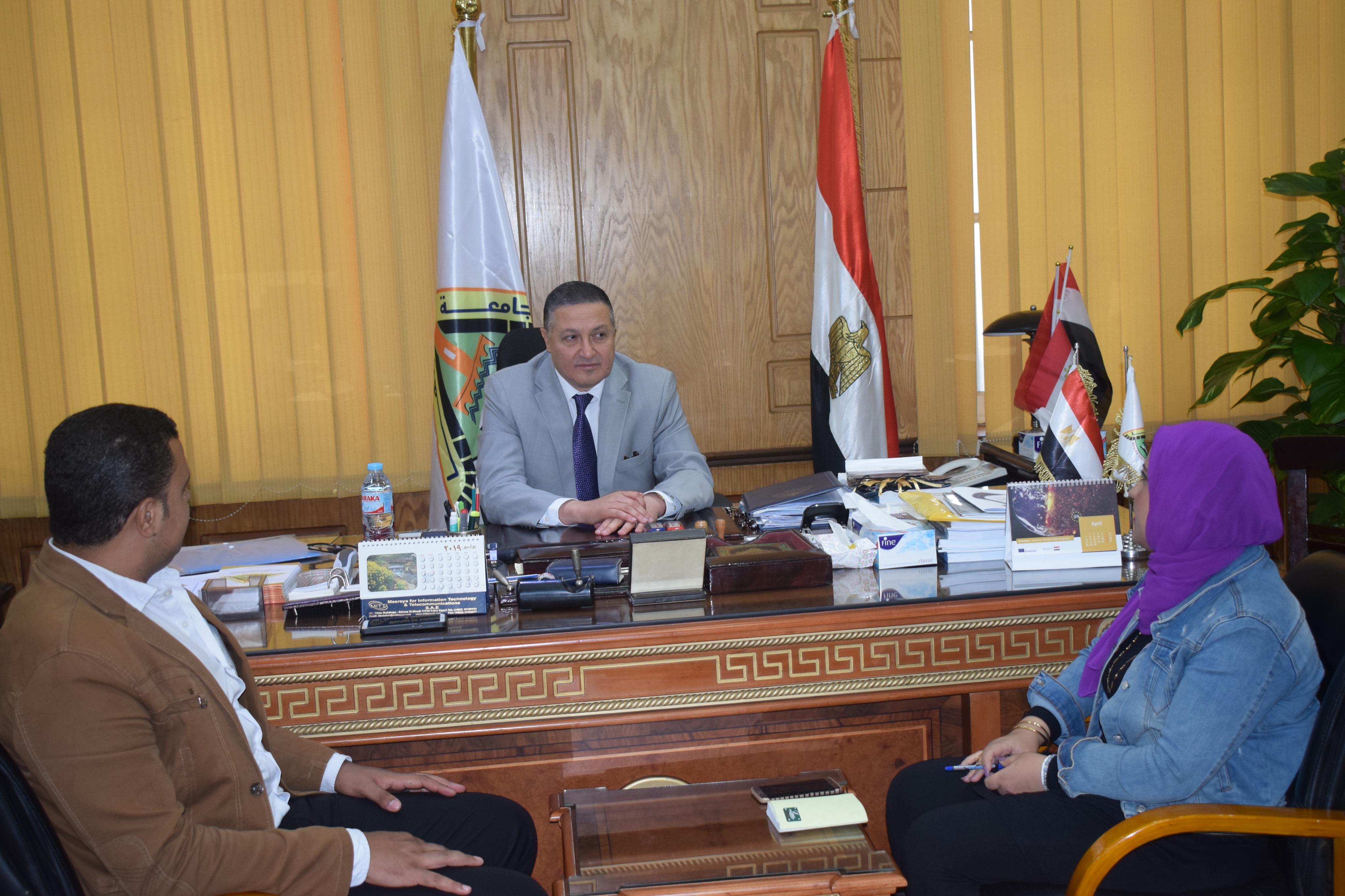 رئيس جامعة بنها (4)