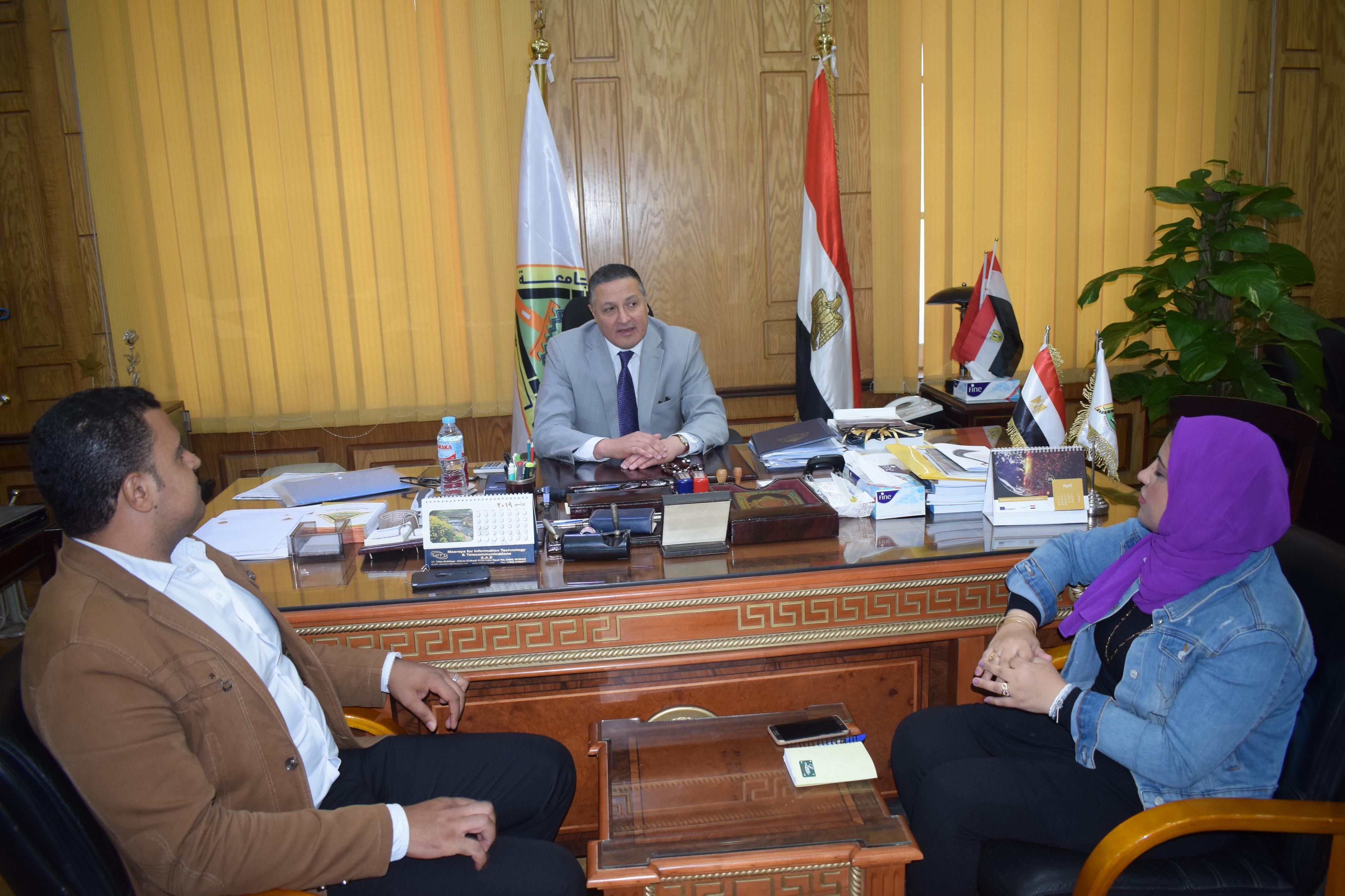 رئيس جامعة بنها (8)