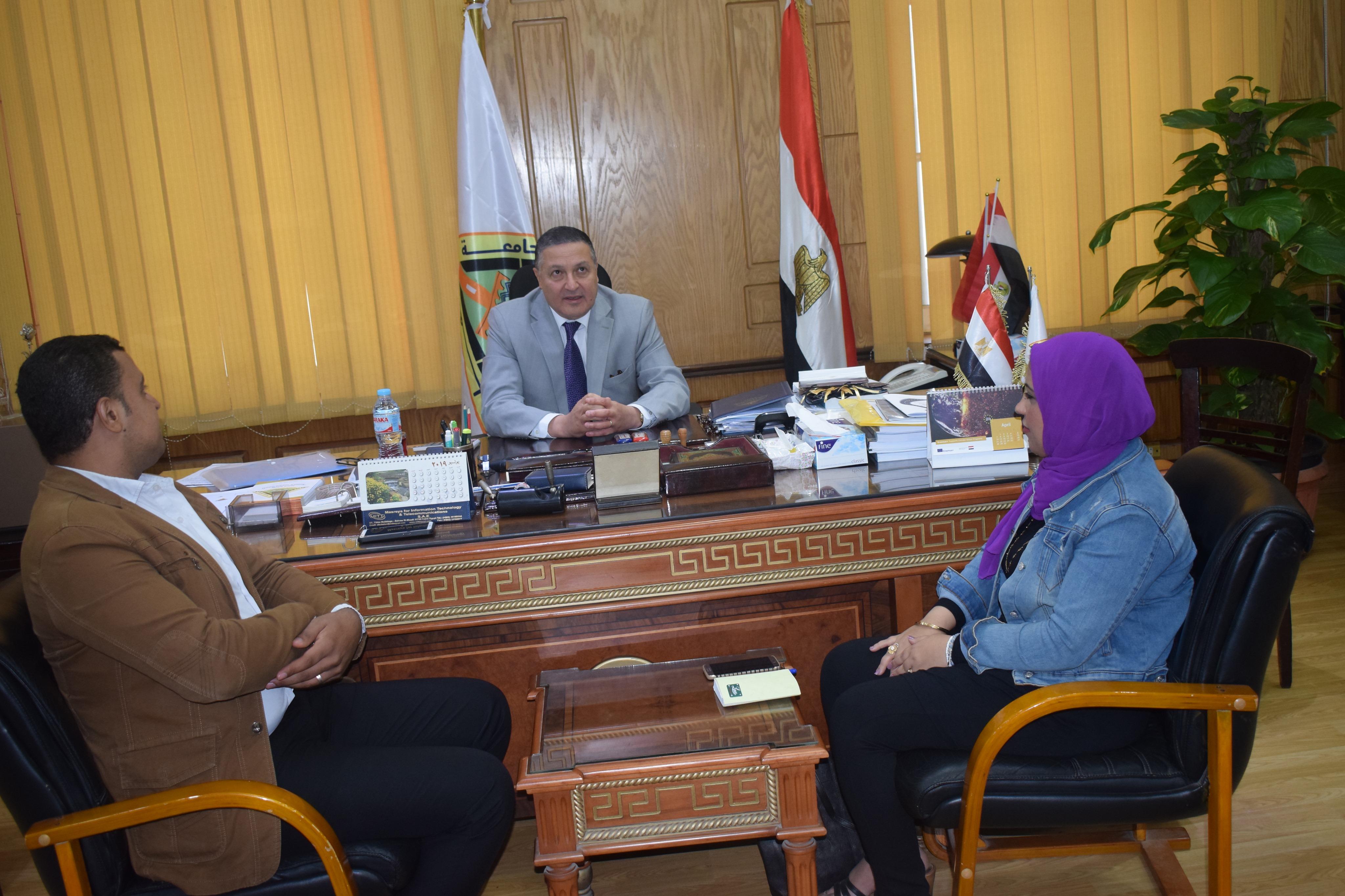 رئيس جامعة بنها (11)