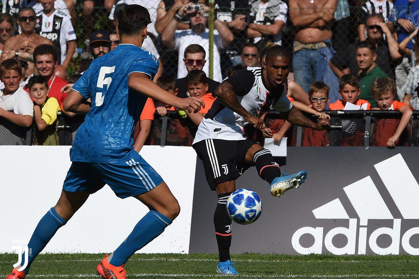 مباراة يوفنتوس وفريق الشباب (1)
