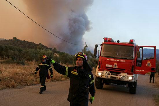 حرائق هائلة بغابات جزيرة إيفيا فى اليونان (7)