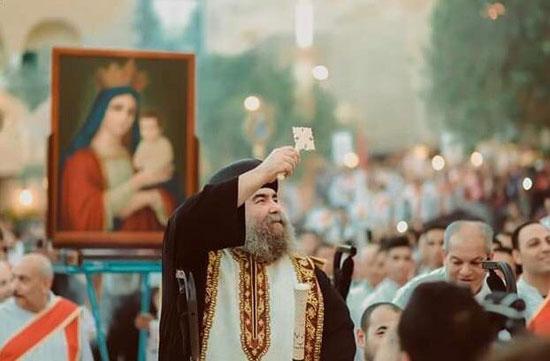 الآلاف يصعدون جبل درنكة لنيل بركة أم النور فى الأسبوع الثانى من صوم العذراء (4)