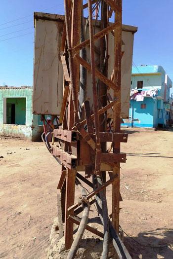 أهالى-قرية-بحر-البقر-بالشرقية-يطالبون-بنقل-محول-كهرباء--(6)