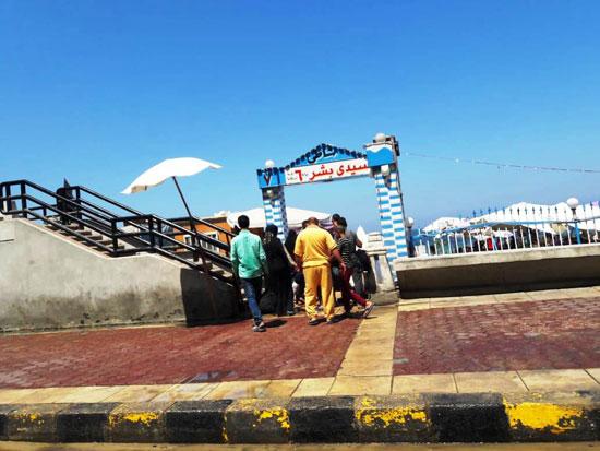 إقبال كبير على شواطئ الإسكندرية فى رابع أيام عيد الأضحى (6)