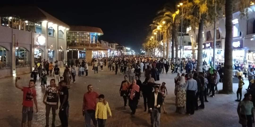 القناديل والأسعار والشلل المرورى.. شكاوى جماعية من رواد رأس البر  (5)