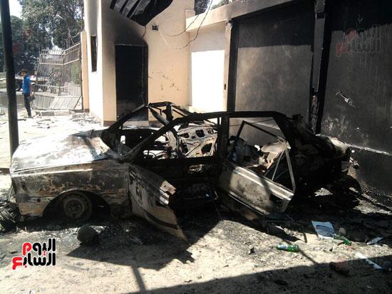 الاخوان احرقوا سيارات الشرطة