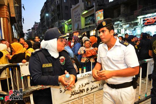 تامين الشرطة النسائية للسينمات (2)